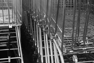 Arbeitslosengeld: Supermärkte zahlen Vorschuss aus