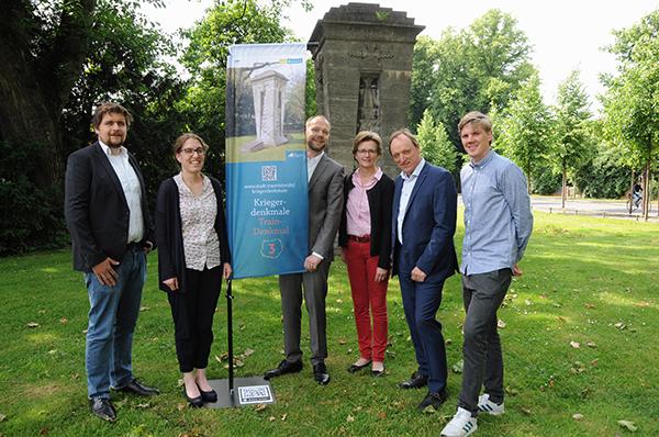 """Umgang mit Kriegerdenkmälern: """"Informationen und Kommentierungen an Denkmälern unerlässlich"""" / Infos bei der Grünflächenunterhaltung am 6. Juli"""