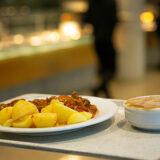 NGG fordert Auftragsvergabe an tariftreue Caterer: Fair gekochtes Essen für Münsteraner Schulen und Kantinen
